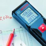 Bosch, télémètre avec 1 seul bouton, des mesures de 0,15 à 30 m